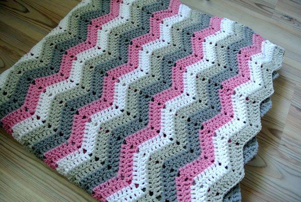 Crochet Pattern For Zig Zag Rug : Zig-Zag Blanket Tutorial Beautiful Crochet Stuff ...