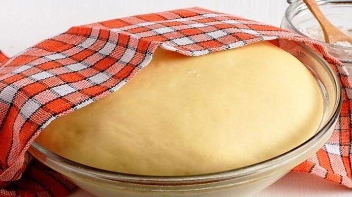 Этот рецепт очень простой, тесто всегда получается на ура, а пирожки пышные, нежные, воздушные и долго не черствеют.