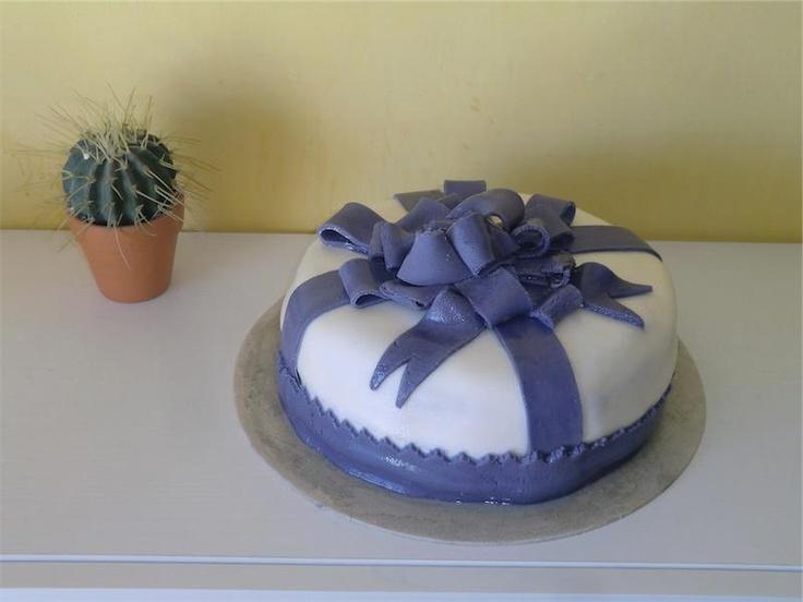 La mia prima torta in pasta di zucchero. #cakes