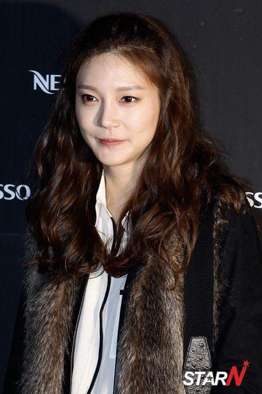 Cha Ye-ryeon (차예련)