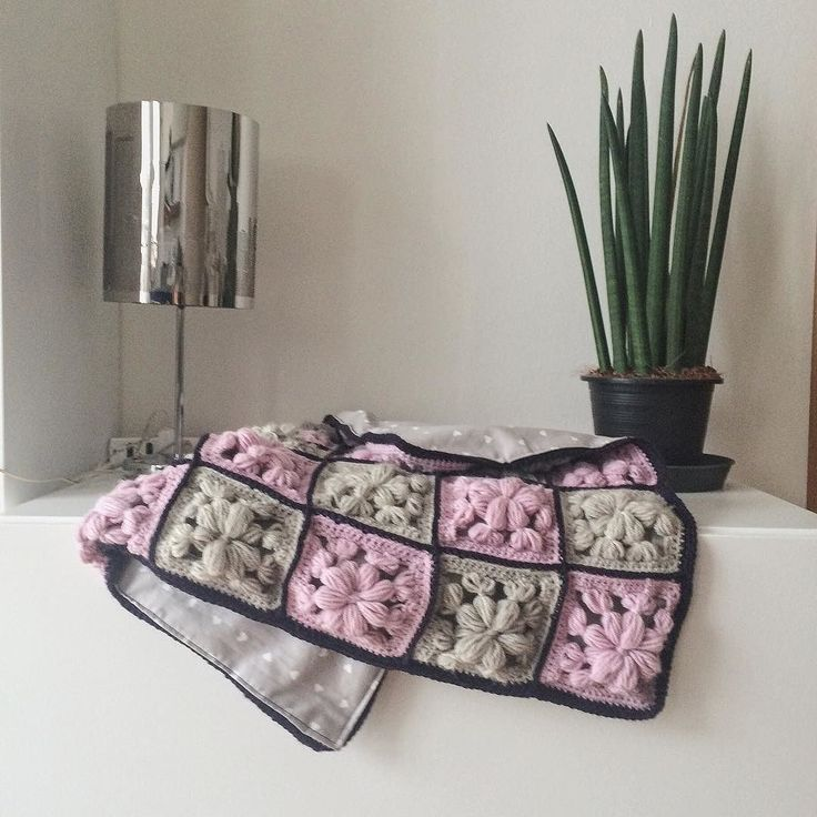 Boho baby blanket in my shop!! Link in bio!! Trapunta boho per neonati disponibile nel mio negozio! Link in bio!  #instadaily #instalover #instacrochet #crochet #handmade #uncinetto #fattoamano #babyblanket #copertinabebe