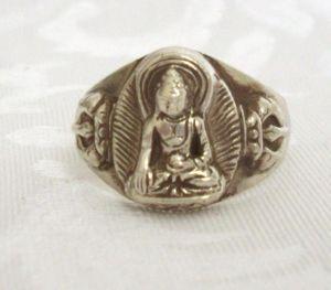 Anello tibetano in argento con immagine di Buddha