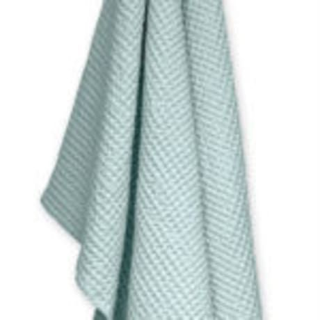 Designed by Joy Vasilijev for Danish home brand The Organic Company, the Big Waffle Towel is just as great in the bathroom as it is out in the open. More than a towel, this big comforting towel is also a great blanket and swaddle when you need it! Also featuring the signature Organic Company strap it hangs beautifully on a hook to dry - no folding required. Like the bath mats and medium towels it is available in several soft Scandi colours.