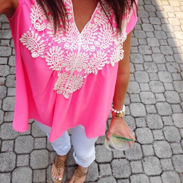 I Saw You Top || The Mint Julep Boutique https://www.shopthemint.com/products/i-saw-you-top-hot-pink
