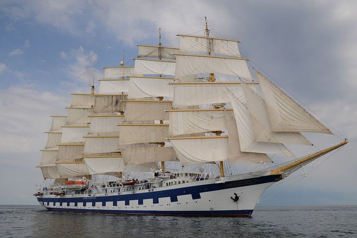 Royal Clipper. A 5 masted fully rigged tall cruise ship. Ιδιοκτησία: Star Clippers Ltd. Διαχείριση: Star Clipper. Σε υπηρεσία το 2000.  5.000GT ~ 134,80 μ.μ. ~ 16,50 μ.πλάτος ~ 13,5knots ~ 4 κατ/τα ~ 227 επ. ~ 106 α.πλ.