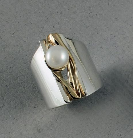 Jewellers' Guild - Pearl Ring - 12227-08
