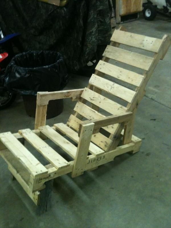 Pallet Outdoor #Lounger - DIY Recycled Pallet Adorable Chair Ideas | 99 Pallets