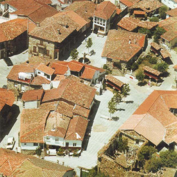 Dúas prazas en Vilanova dos Infantes | José González-Cebrián Tello | Celanova 2001