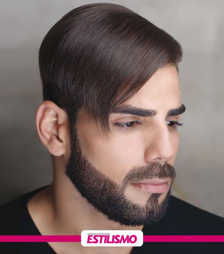 La barba perfecta Look varonil  La barba, un look que se toma revancha y vuelve a los rostros masculinos para quedarse. Hace tiempo que dejarse barba se ha convertido en el estilo favorito para los hombres, ya que otorga un look puramente varonil, captando las miradas de las mujeres. Mary Lizzie for Men enseña cómo lucir una barba perfecta. #Tutoriales #ParaEllos #Varones