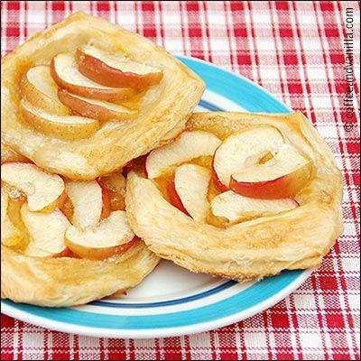 Ella's Quick Apple (& Apricot) Pies - Kids' Cooking