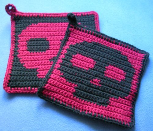 Ravelry: Skullholders pattern by Kacy Fallon...omg love!! And i know a couple others who would like this