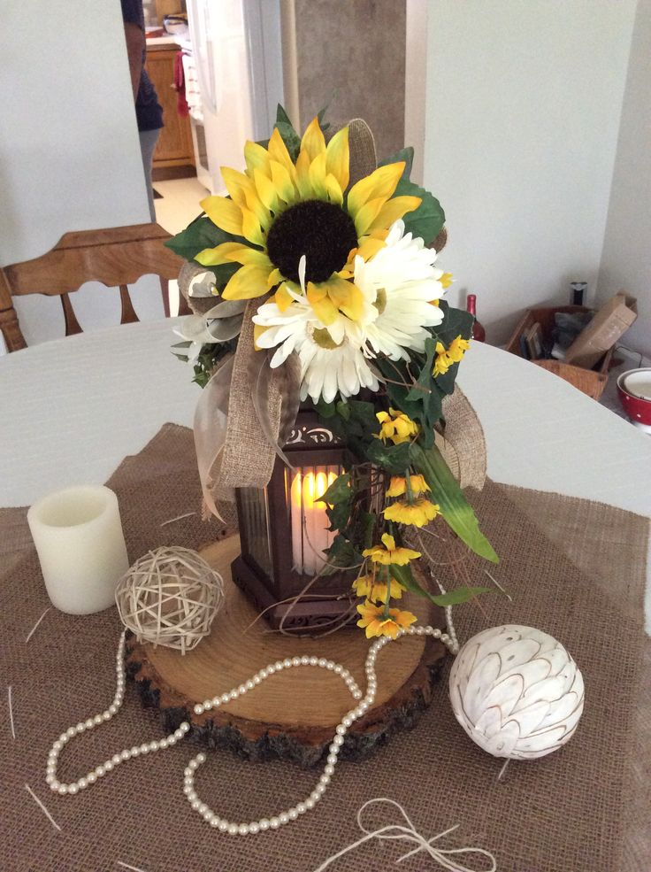 Diy Fall Wedding Centerpieces Like The Wood Base With