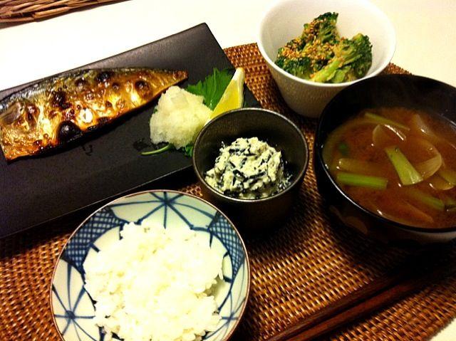 地味なごはん♪(´ε` ) ・サバの干物 ・ひじきの白和え ・ブロッコリーの胡麻和え ・ごはんとみそ汁 - 35件のもぐもぐ - 魚定食 by naocovsky