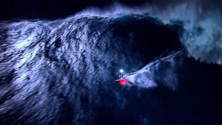 Surfers take to the night to avoid crowds Follow for follow, pin for pin!