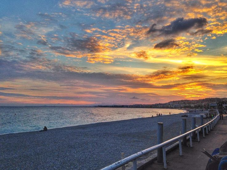 #france #nice #iphonecam #sunset #streetshot #streetphotography #skyporn #pordosol by danielsatta at http://ift.tt/1iM7IuT