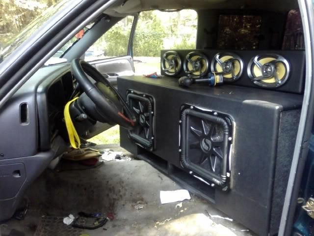 """My first """"Real"""" system. Kicker & Pioneer"""