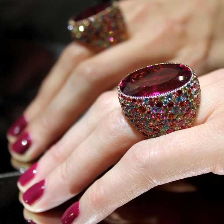 We saw Lorenz Baumer's Cardinale rubellite ring at Paris Couture week, and were instantly mesmerised by the central 38.49 carat stone. Discover the jewellery gemstones red spinel, ruby and rubellite: http://www.thejewelleryeditor.com/jewellery/know-how/red-gemstones-rubies-rubellites-spinels/ #jewelry