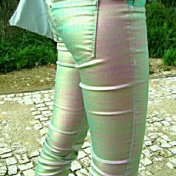 H&M Holographic Jeans Holographic jeans that shines green, pink, and purple.  Labeled as size 27/32. H&M Jeans Skinny