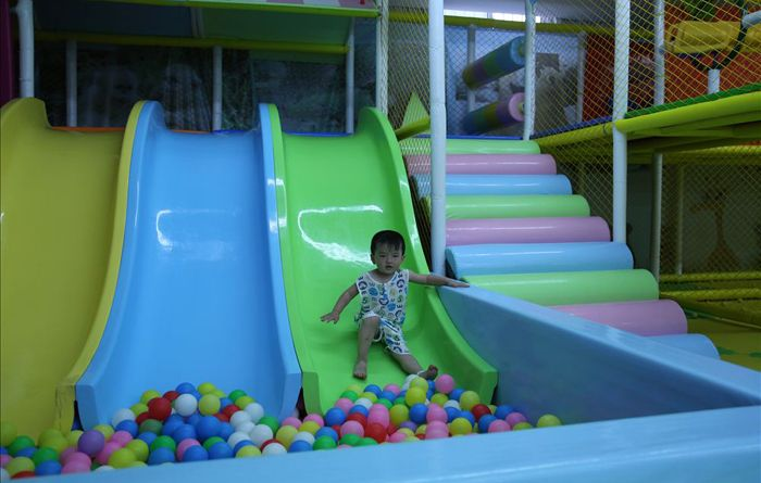 kids indoor playground equipment