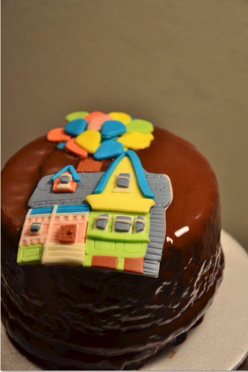Torta UP Mix chocolate y vainilla con una Hermosa historia de amor en ella! #cake #upmovie #chocolate #torta #vainilla #handmade #artesanal