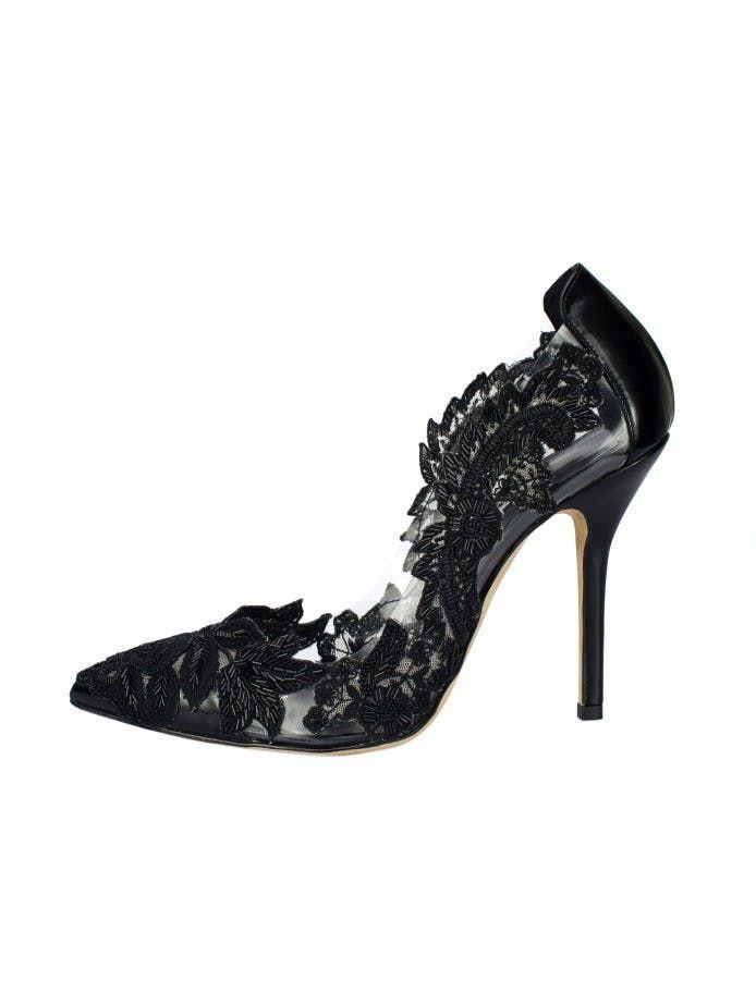 Black Lace Embroidered Alyssa Pumps by Oscar de la Renta