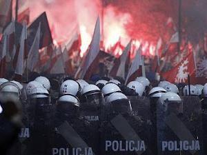 Dizaines de milliers de manifestants à l'appel de l'extrême droite !!! • Hellocoton.fr