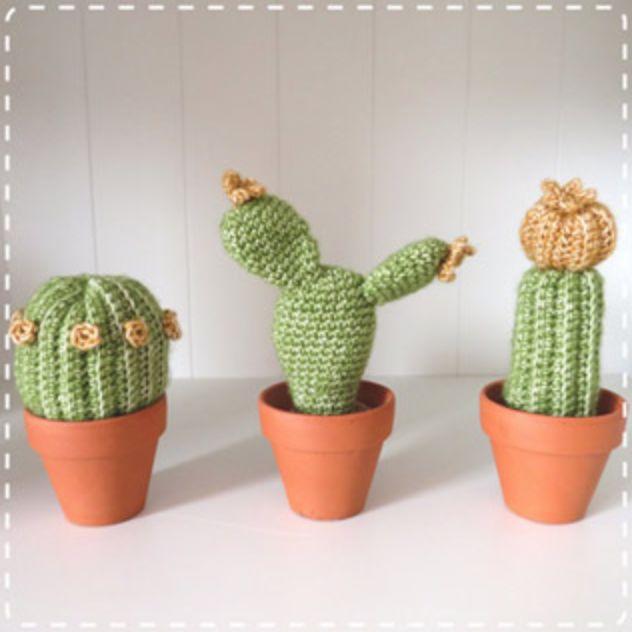 Kijk wat ik gevonden heb op Freubelweb.nl: een gratis haakpatroon van Haakinformatie om deze leuke cactussen te haken https://www.freubelweb.nl/freubel-zelf/gratis-haakpatroon-cactussen/