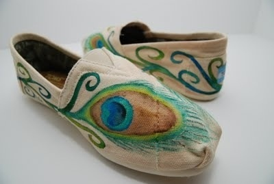Toms toms toms.  style
