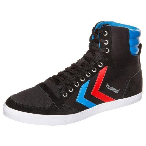 #Hummel #Herren #Slimmer #Stadil #High #Sneaker #schwarz Ein schlanker Sneaker der mit hochwertiger Verarbeitung und sportlichem Design deinem Look die Krone aufsetzt ohne aufdringlich zu wirken. Der flache Schnitt lässt sich optimal kombinieren und garantiert höchsten Komfort für lang anhaltende Freude beim Tragen. Die robuste Außensohle rundet den Schuh gekonnt ab und bietet ein sicheres sowie leichtgewichtiges Laufgefühl. Dieser Sneaker präsentiert sich in angesagten und modischen…