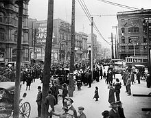 An anti-conscription parade in Montreal on May 17, 1917