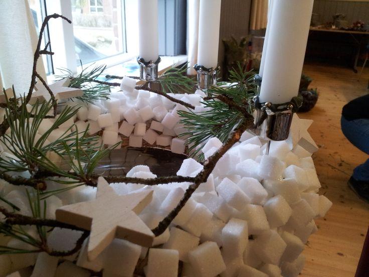 Juledekoration eller adventskrans lavet af sukker. https://www.facebook.com/florise.dk