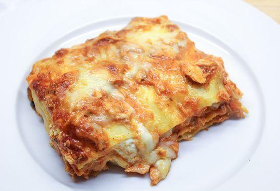Een heerlijk recept voor lasagna met zalm, mozzarella en crème fraîche.