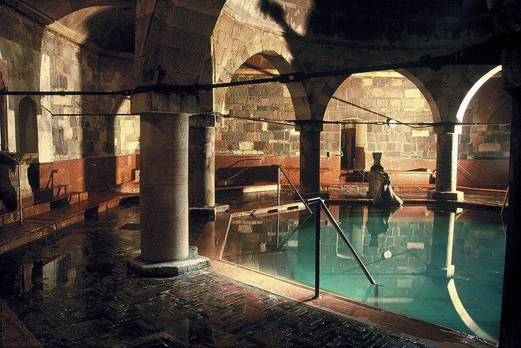 Király fürdő (thermal baths in Budapest)