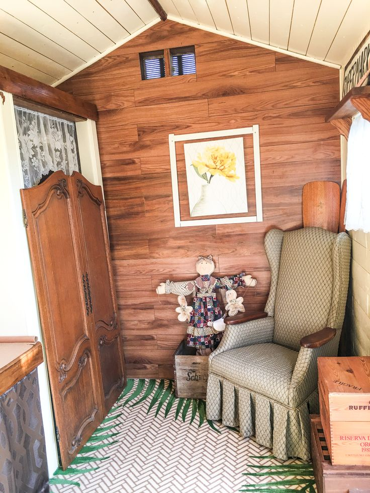 Perfect A She Shed Sewing Room! The Reclaimed Wood Walls And Cozy Furniture Make An  Ideal