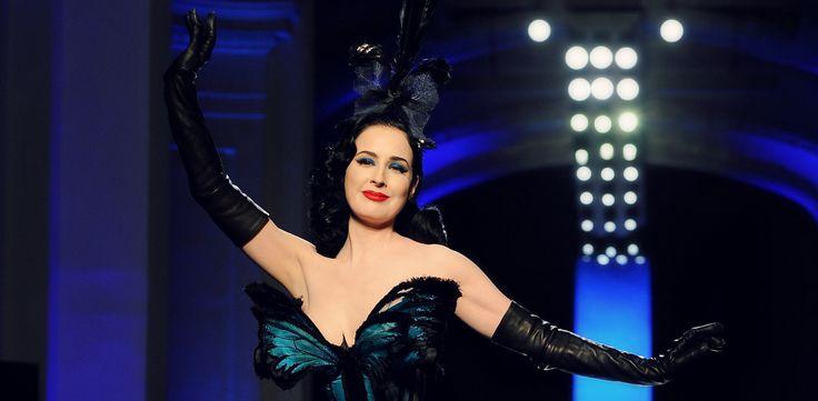 Carnevale Haute Couture: Vintage Mon Amour! http://junglam.com/featured/carnevale-trucco-makeup-vintage-retro/