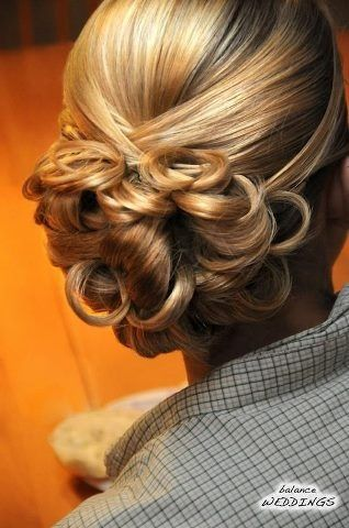 Attractive hair style for brides