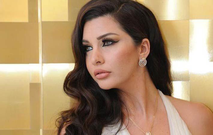 بصور من البانيو لاميتا فرنجية تستعرض حملها وتعلق احتفل بجسدي وأنوثتي Diamond Earrings Fashion Diamond