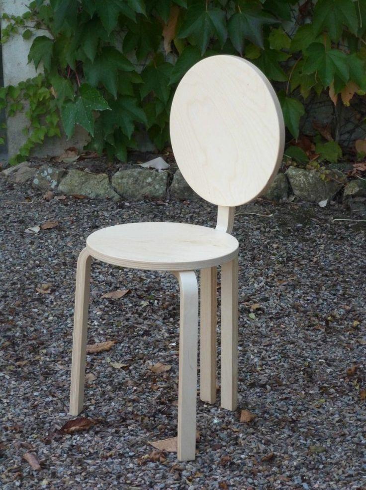 Une petite chaise POP avec FROSTA