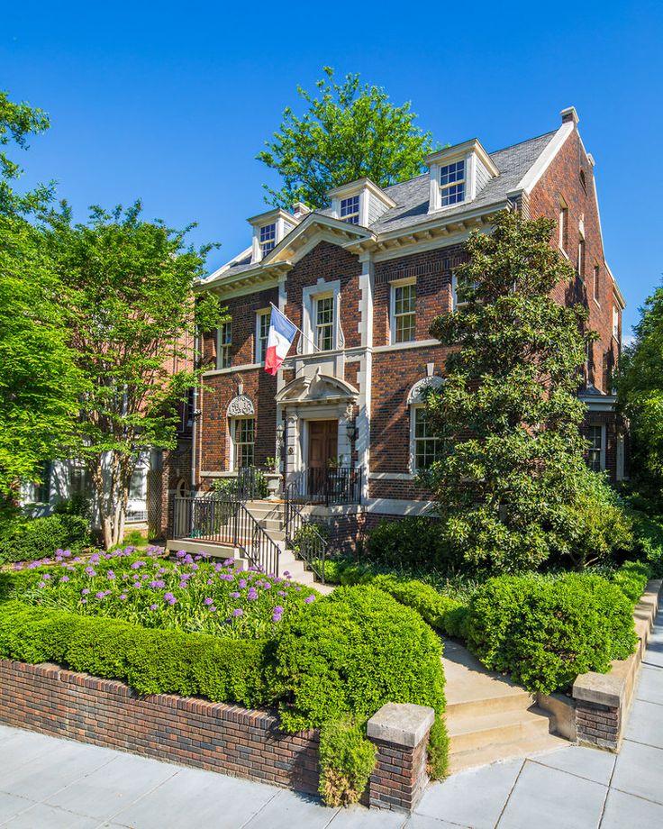Jennifer Horn Landscape Architect | Exterior Front Landscape Design of a Center Hall Colonial in Washington DC  #allium #groundcovers #urbangardening