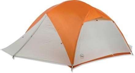 This is the exact ultralight tent I need to go camping with the hubby and kids!! | Big Agnes Copper Spur UL4 Tent