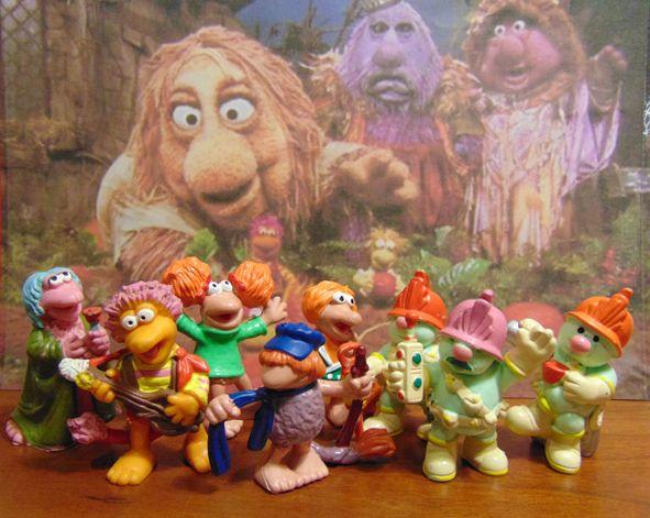 """""""Fraggle Rock"""" foi uma série de TV de 1980 criado por Jim Henson (criativo de """"The Muppets"""", """"Sesame Street""""), cujas personagens eram considerados uma espécie de """"punk rock """"versão dos Muppets."""