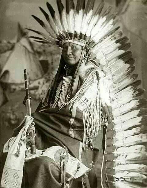 Chief White Bear aka Tom Frosted. Lower Yankton Lakota.  Early 1900s.