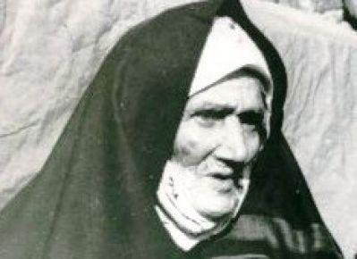 1955'te yılın kahraman Türk annesi seçildi. Bu kahraman Türk kadınının heykeli Erzurum'daki aziziye tabyasında bulunuyor.