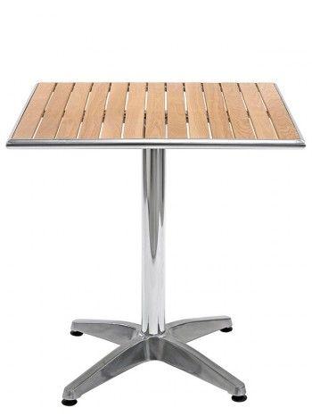 Tavolo       con struttura in alluminio         anodizzato e piano in legno di rovere a doghe.    Perfetto per bar, caffè, residence, ristoranti, locali sul lungomare, alberghi, b&b, stabilimenti balneari.       Ideale per i vostri spazi all'aperto, giardino o terrazzi    .      Elegante e raffinato. Su ACCESSORI troverete le sedie da abbinare a questa linea. Su OPTIONAL l'accessorio per rendere il tavolo pieghevole.