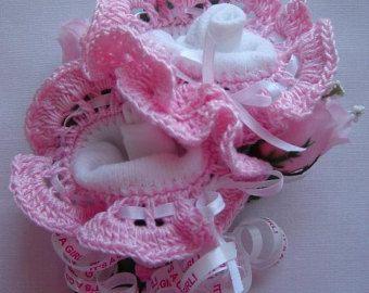 baby sock cupcake instructions