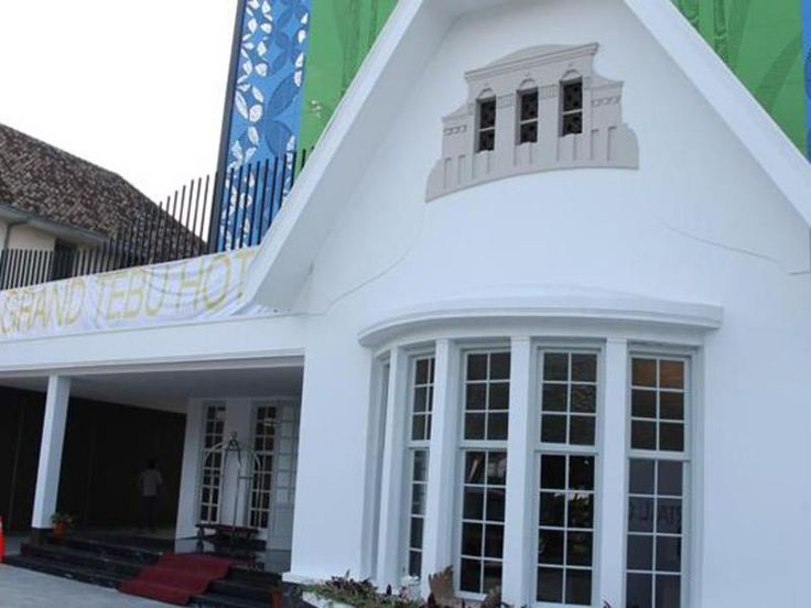Bandung Grand Tebu Hotel Indonesia, Asia Set in a prime location of Bandung, Grand Tebu Hotel puts everything the city has to offer just outside your doorstep. Offering a variety of facilities and services, the hotel provides all you need for a good night's sleep. Free Wi-Fi in all rooms, 24-hour security, daily housekeeping, photocopying, 24-hour front desk are just some of the facilities on offer. Some of the well-appointed guestrooms feature television LCD/plasma screen, co...