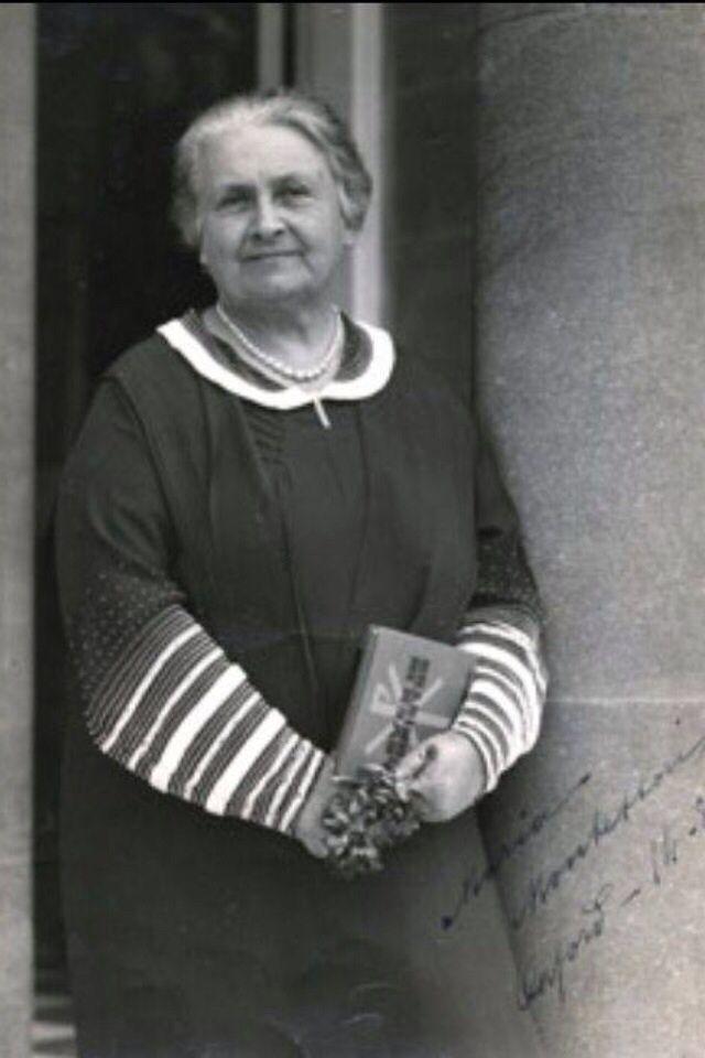 How john locke inspired maria montessori