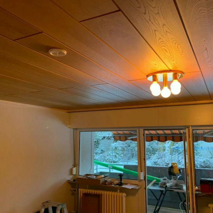 Vorher Holzdecke Nachher Plameco Spanndecke Mit Designelement Indirekter Beleuchtung Und Led Strahlern In Dinslaken Die Holzdecke Home Home Decor Decor