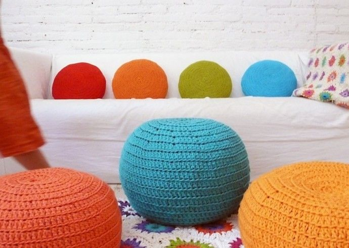 small-crochet-pouf-by-lacasadecoto-available-on-etsy-com-approx-53-690x490.jpg (690×490)