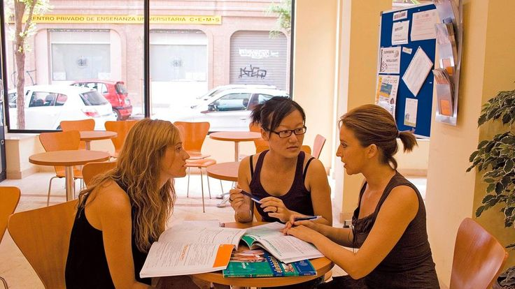 Mit Studenten aus aller Welt lernt es sich leichter und man findet Freunde für's Leben. #lernen #Sprachkurs #Sprachreise #Freunde #FreundefürsLeben #Spanischlernen #international